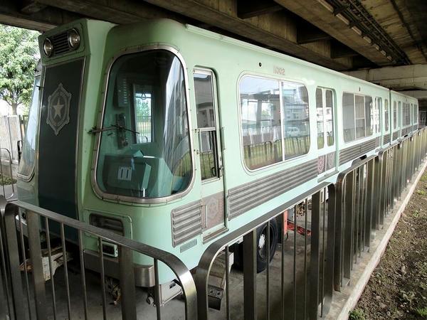 アルミニウム合金製片連接電動制御客車 1000形(1001+1002)