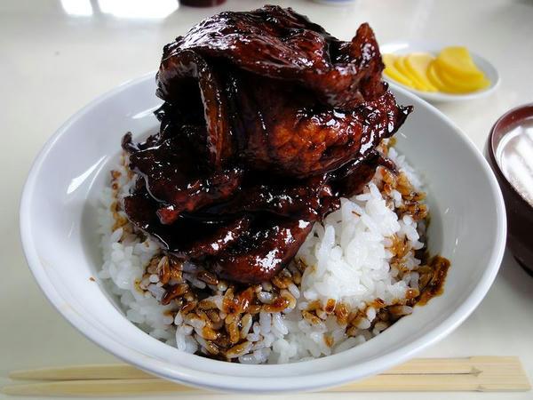 豚丼肉盛 900円