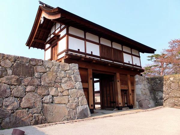太鼓門の中門(櫓門)