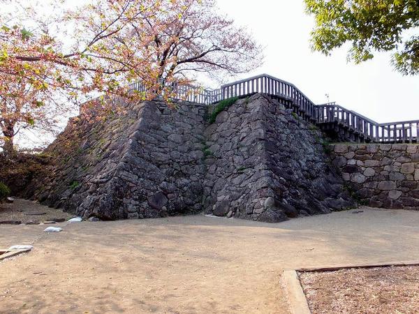 本丸北西隅の櫓台