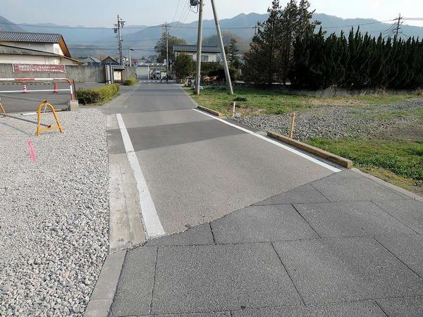 松代城跡付近の踏切跡