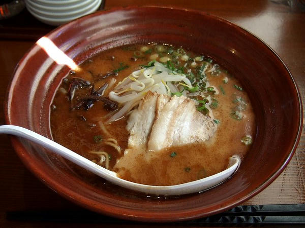 鰹(九州中細麺・ふつう) 800円