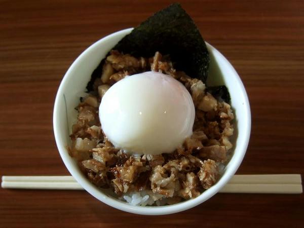 チャー玉小丼 157円