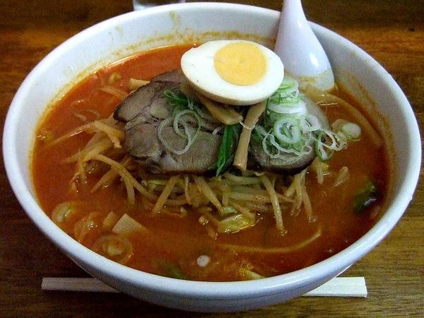 激辛厚切りチャーシュー味噌野菜ラーメン 1000円
