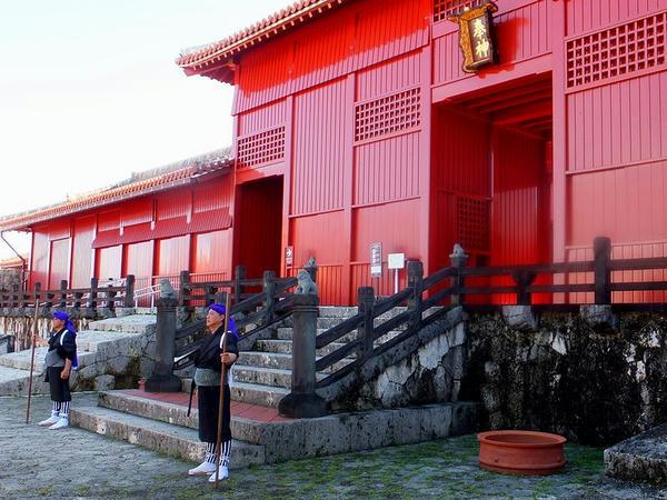 奉神門と門番