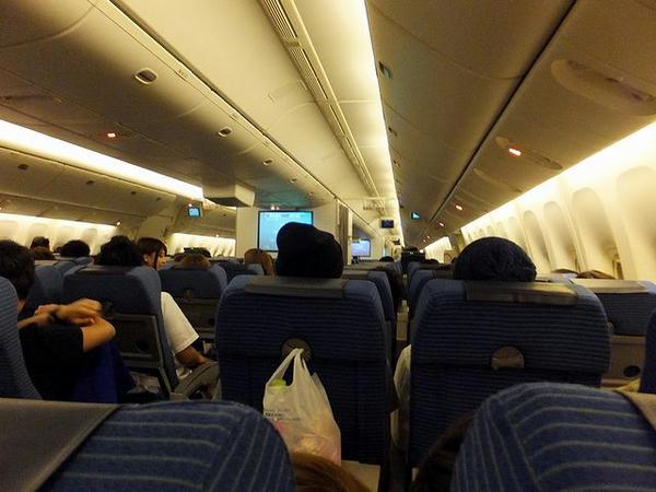 ANA999便の機内
