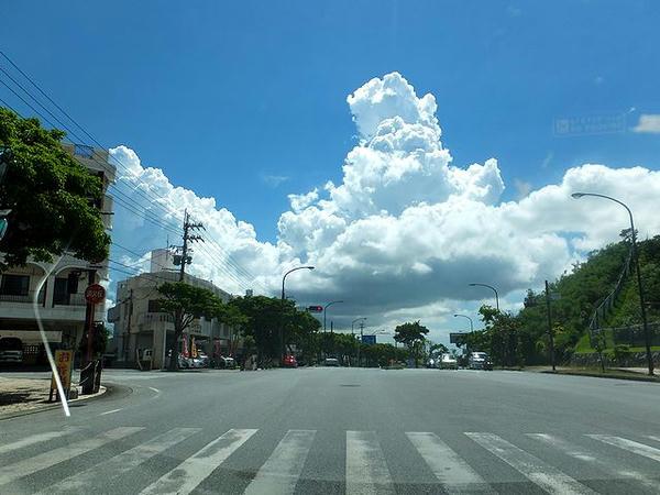 中城で見た立派な入道雲