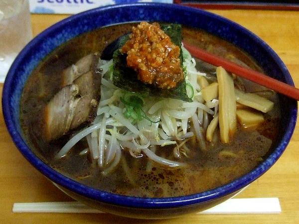 へのかっぱ特製らーめん(辛口醤油味・デフォルトで中盛) 650円