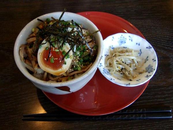 煮玉子チャーシュー丼 480円