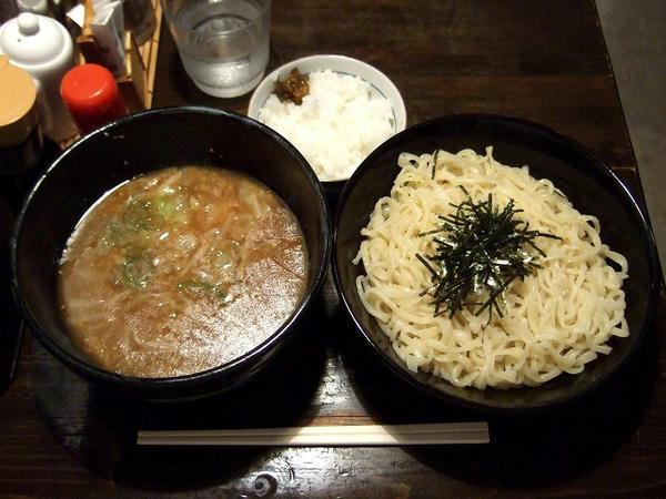 つけ麺(冷たい麺) 750円(半ライスはランチタイムサービス)