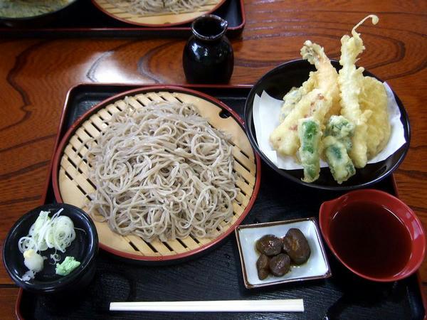 もりそば三合 980円 + 天ぷら盛り合わせ 500円
