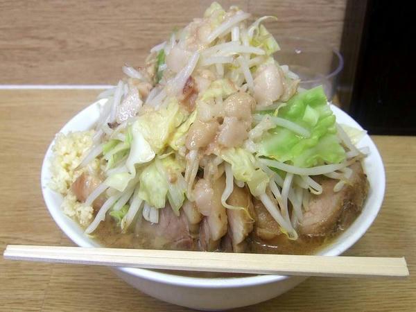 小ラーメン豚入りダブル(ニンニクマシマシ・アブラ) 800円