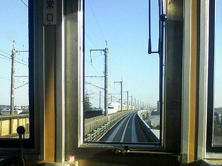 線路上に停車しているMax