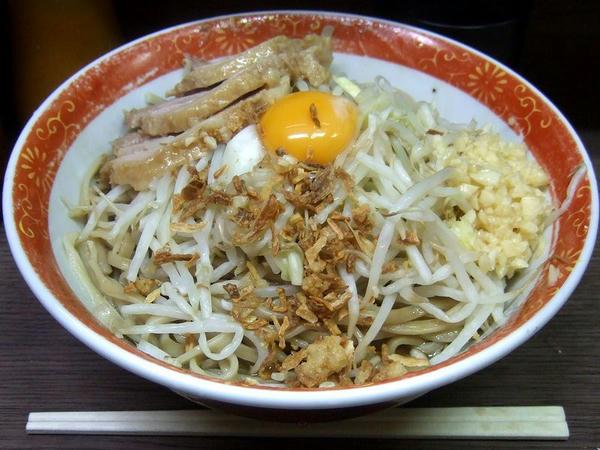 小ラーメン 650円 + 汁なし 80円 (ニンニク)