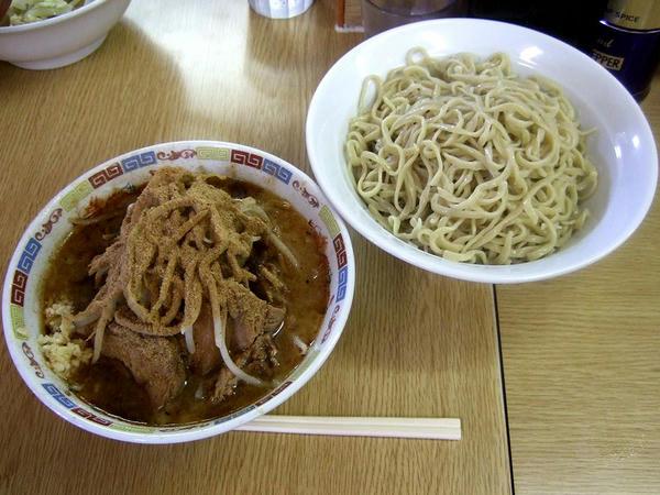 大ラーメン(ニンニク少し) 800円 + カツオくん 150円 + つけ麺 150円