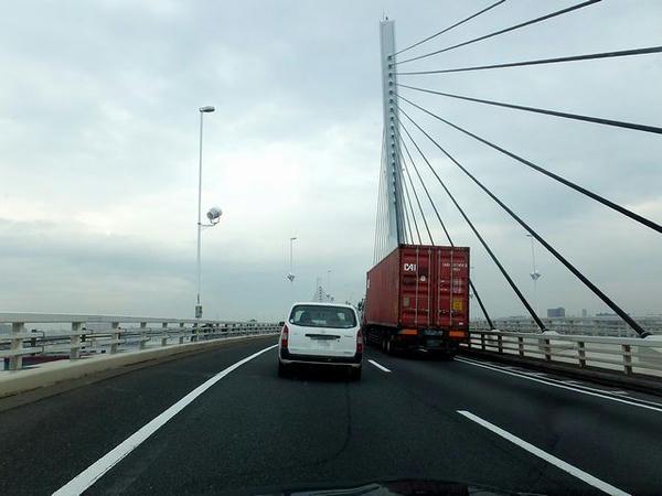 首都高中央環状線かつしかハープ橋付近