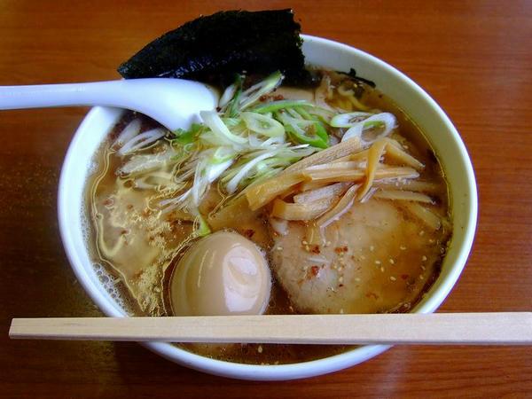 チャーシュー麺 880円 + 煮玉子 100円