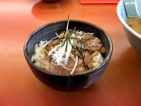 ミニチャーシュー丼 300円