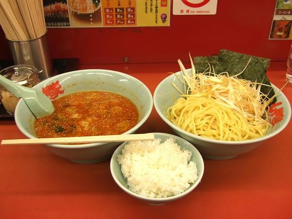 辛味噌つけ麺(酢抜き・味普通・麺普通・脂普通) 780円 + ネギ増 150円 + 半ライス 110円