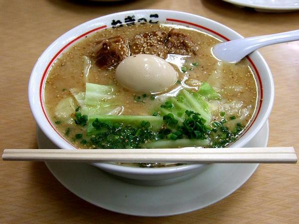 角煮ラーメン 830円