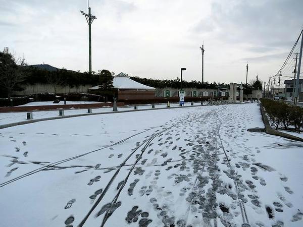 福島競馬場東口付近