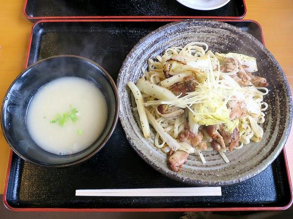 鶏白湯の塩焼きつけ麺 980円