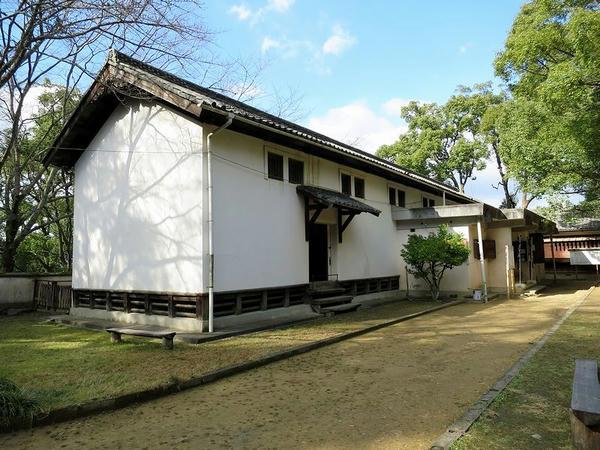 城山郷土館(旧山里倉庫)