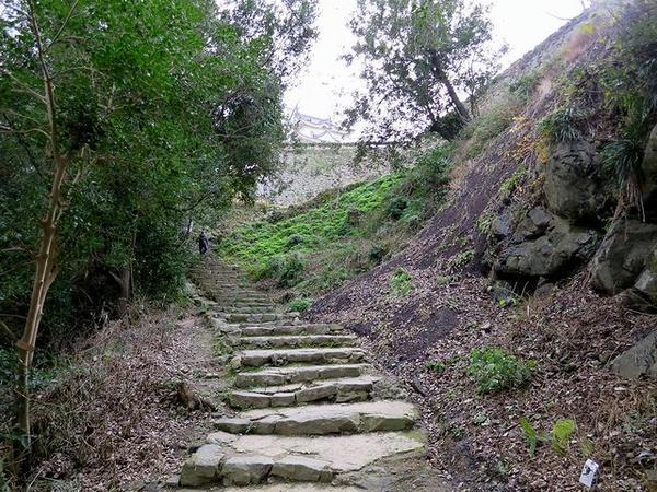 二の丸へと続く登城路