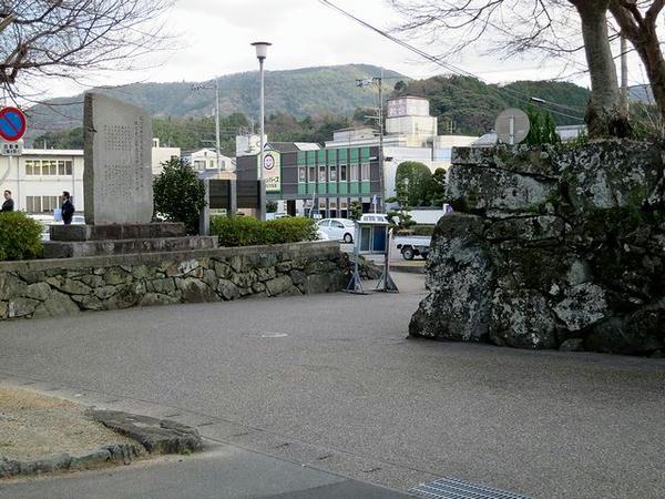 櫓下御門(二の丸大手門)跡