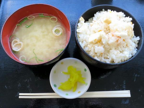 鯛めし 360円 と お味噌汁 50円