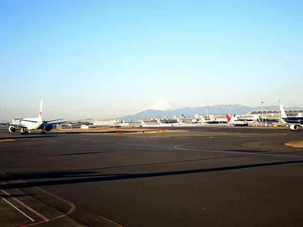 離陸前に見えた富士山
