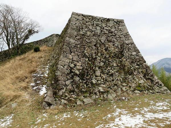 人質丸の石垣