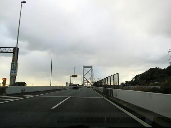 関門橋で再び本州へ