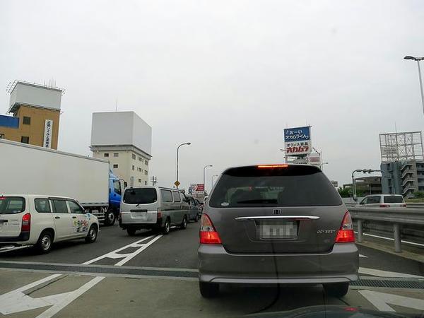 と思ったら激しく渋滞中