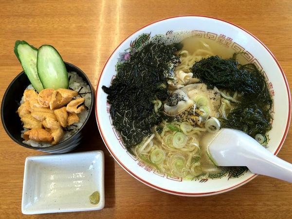 Aセット(うに丼(ミニ)・えりもラーメン) 1900円