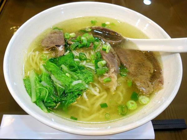 清燉牛肉麵 180元