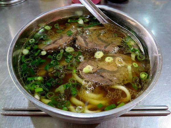 牛肉麵(湯)小 140元