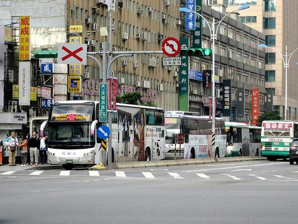 バス専用レーン