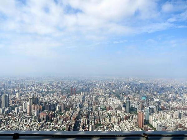 91階の屋外展望台からの眺め
