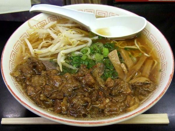 牛すじラーメン 800円