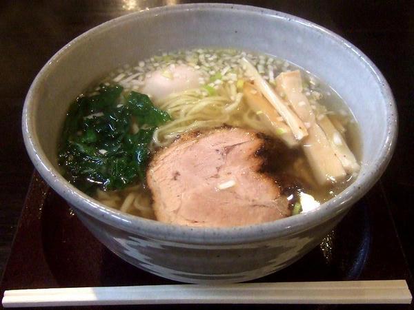 Bセット 800円の 煮ちゃーしゅー麺+味玉子