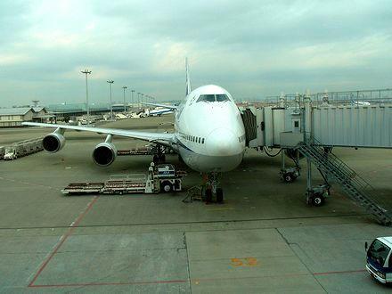 羽田空港で出発を待つANA059便