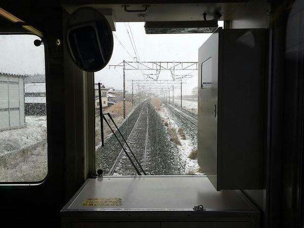 雪の中列車は走る