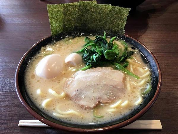 味玉ラーメン 800円