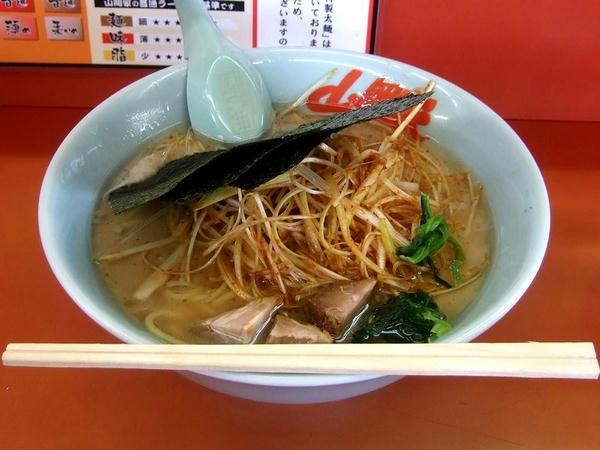 醤油ピリ辛ネギラーメン(脂多め・味普通・麺普通) 690円