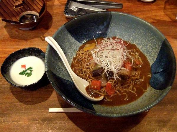 冷伽哩麺(ひやかりめん)ビシソワーズ 945円
