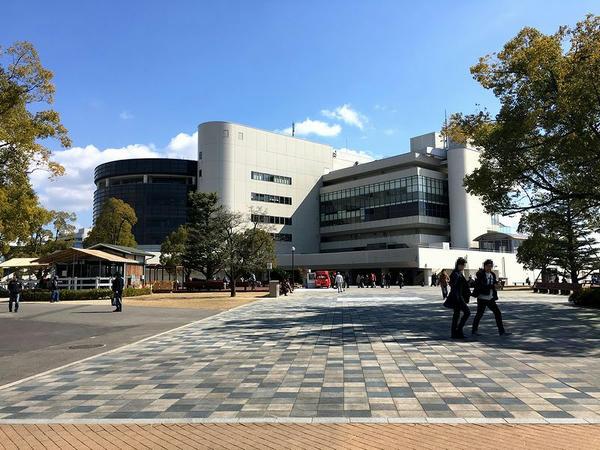 京都競馬場スタンド