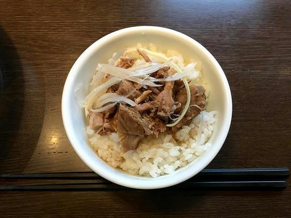 ランチメニューE(お得なミニチャーシュー丼) 140円