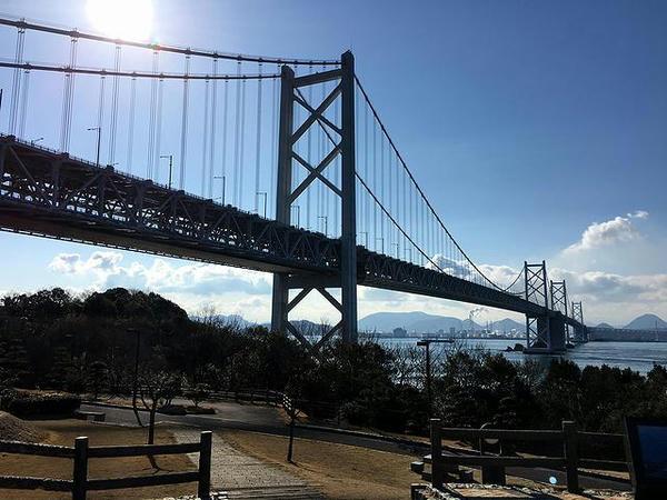 与島PAから見た(北備讃・南備讃)瀬戸大橋