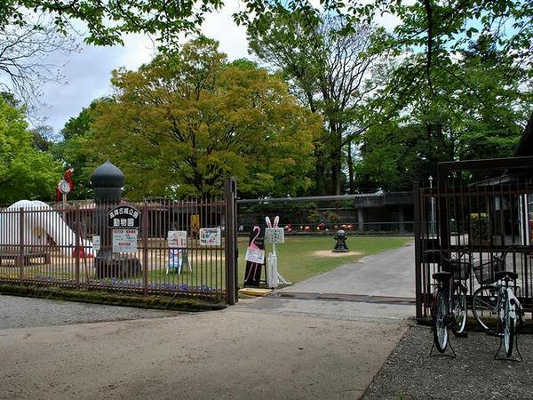 高岡古城公園動物園入口(自然博物館側)